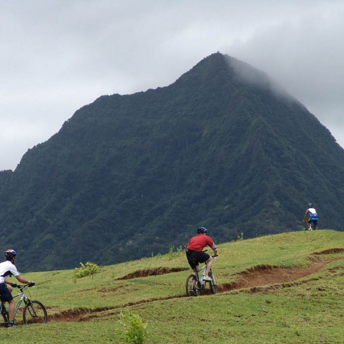 Hawaii-mountain-biking-4